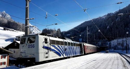 Winterzug in Österreich